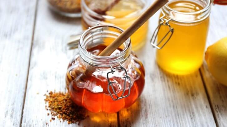 Домашняя мазь для лечения носового аденоидита у детей медово-вазелиновая мазь