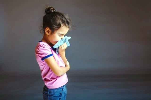 Сопли при аденоидах у ребёнка